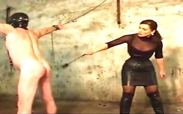 Fashionable domme caning