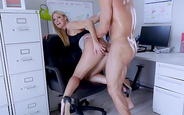 Big-assed boss Indian Summer shagged and creampied by endowed subordinate