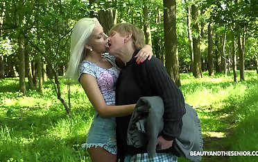 Young nympho Julia Parker gets fucked in a difficulty forest by one queer patriarch