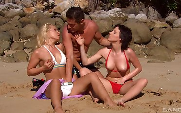 Strong threesome by the pool be advantageous to two sluts on the top of holiday