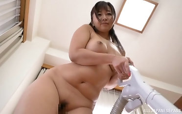 Fantastic chinese lady Kaori exposes her smoking steaming bod