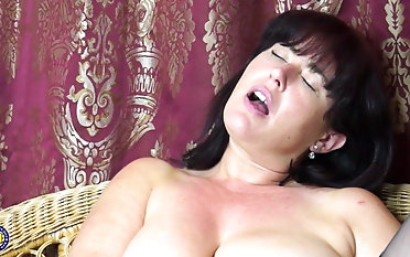 Magnificent mature mummy with wooly gash and enormous jugs